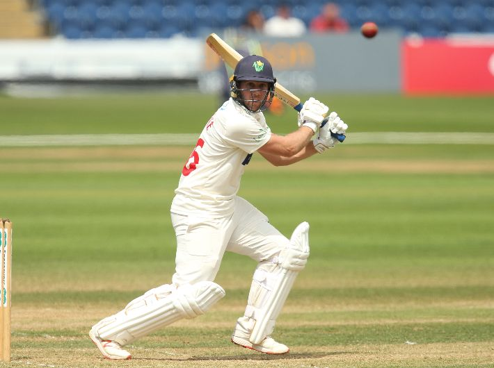 Glamorgan return to four-day cricket against local rivals